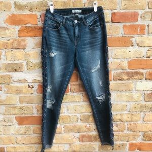 Laced Jeans Distressed